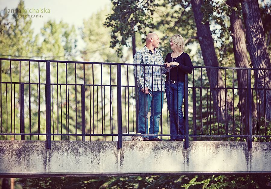 calgary engagement photography anna michalska bowness park puppy dog bridge