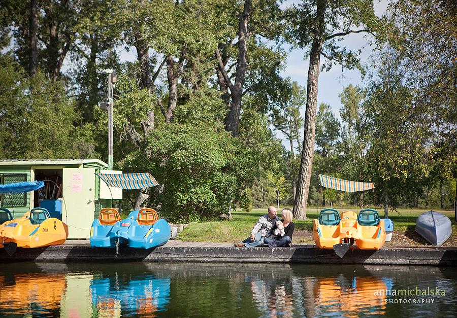 calgary engagement photography anna michalska bowness park boats river