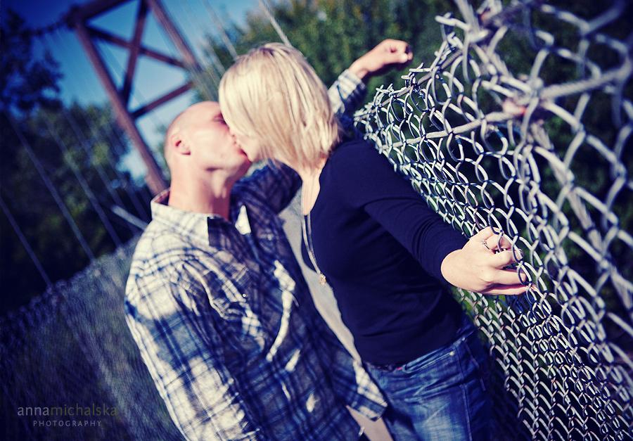 calgary engagement photography anna michalska gerry shaw gardens fall bridge