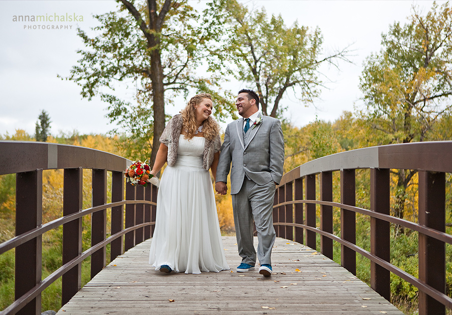 calgary wedding photography anna michalska fish creek park bridge