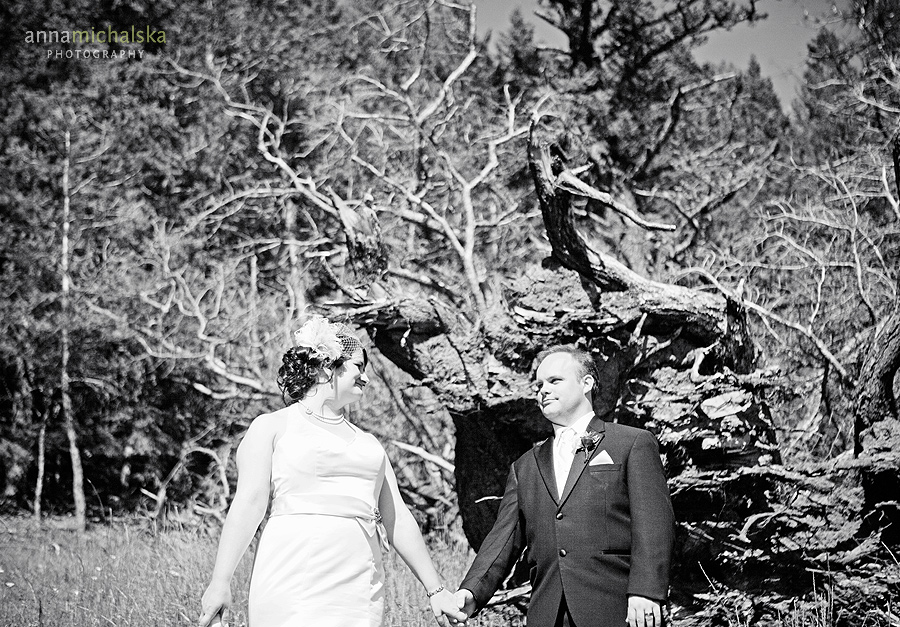banff wedding photography anna michalska mountains alberta bride groom