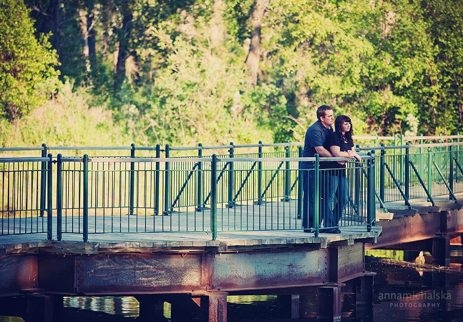 calgary engagement wedding photography anna michalska inglewood bird sanctuary bridge