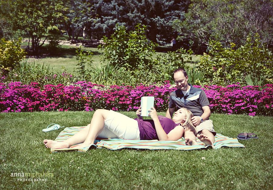 calgary engagement photographer anna michalska riley park picnic