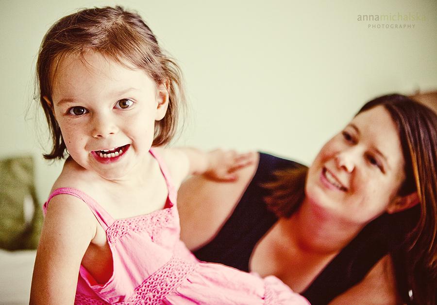 calgary family child baby infant lifestyle photographer anna michalska