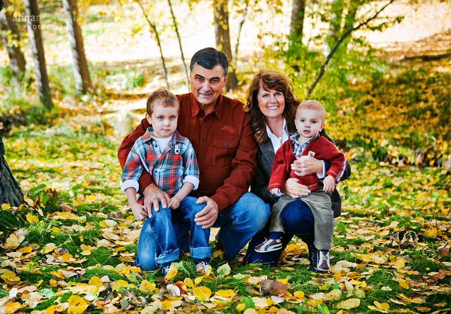 family photographer calgary anna michalska confederation park