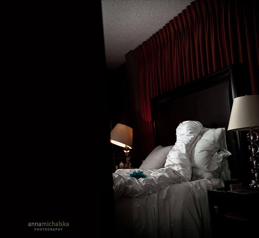 calgary wedding photographer anna michalska hotel arts bride dress
