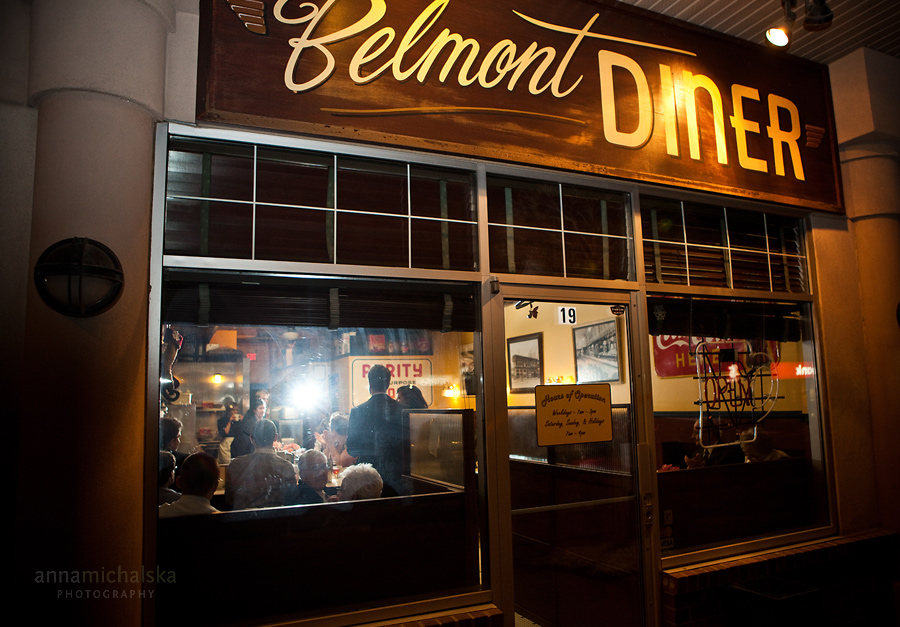 calgary wedding photographer anna michalska belmont diner ceremony reception