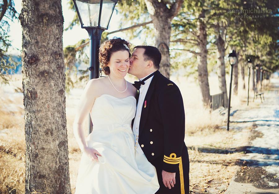 calgary wedding photographer anna michalska winter fish creek park
