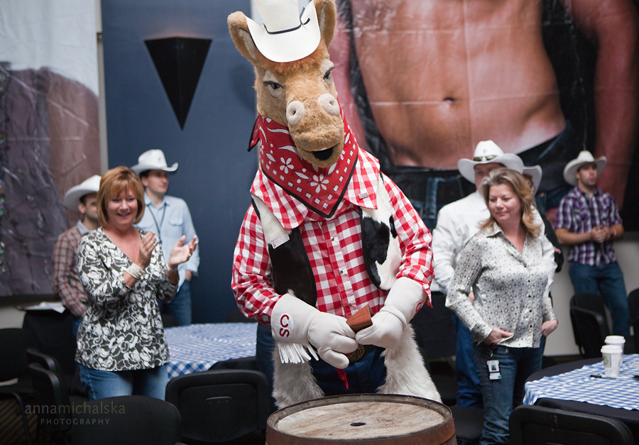 calgary event photographer corporate commercial statoil canada stampede breakfast metropolitan grill george canyon harry the horse