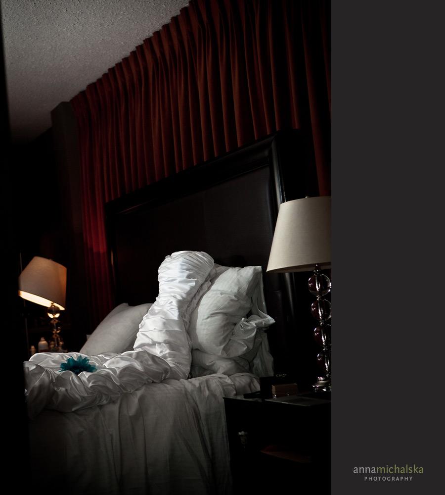 calgary wedding photographer anna michalska hotel arts getting ready bride dress