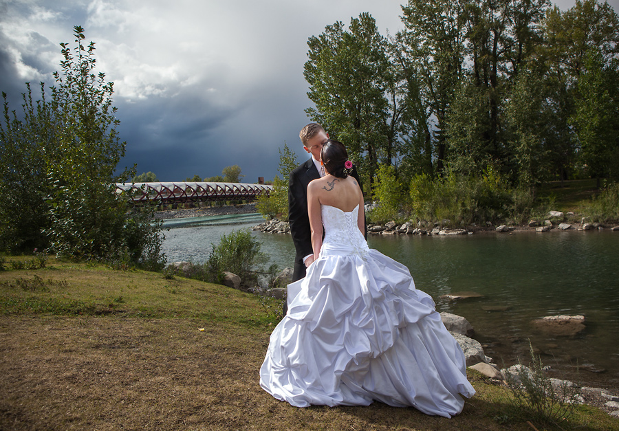 calgary wedding photographer anna michalska photography peace bridge