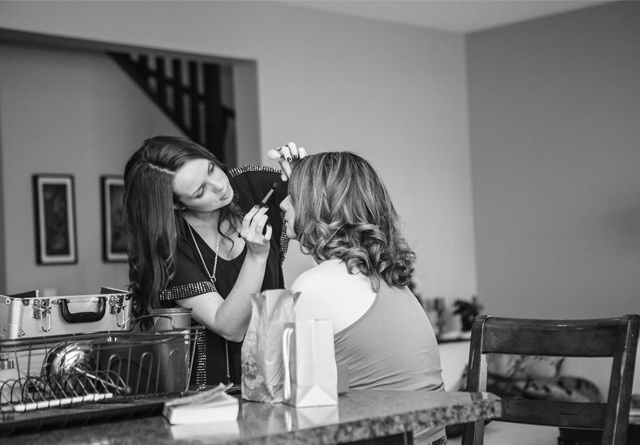 calgary wedding photography anna michalska bride getting ready