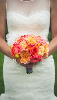 anna michalska photography calgary wedding photographer bride flowers