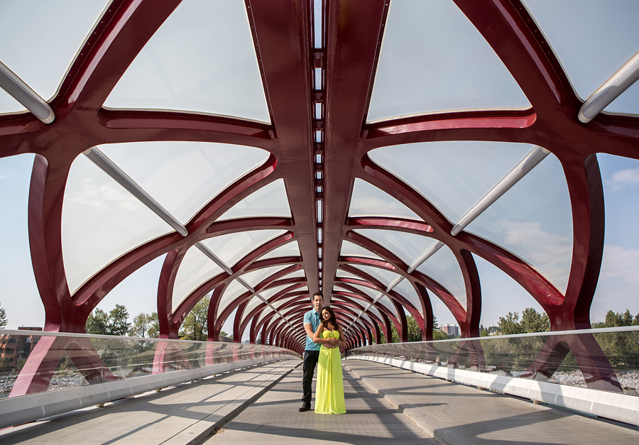 calgary engagement photographer anna michalska peace bridge