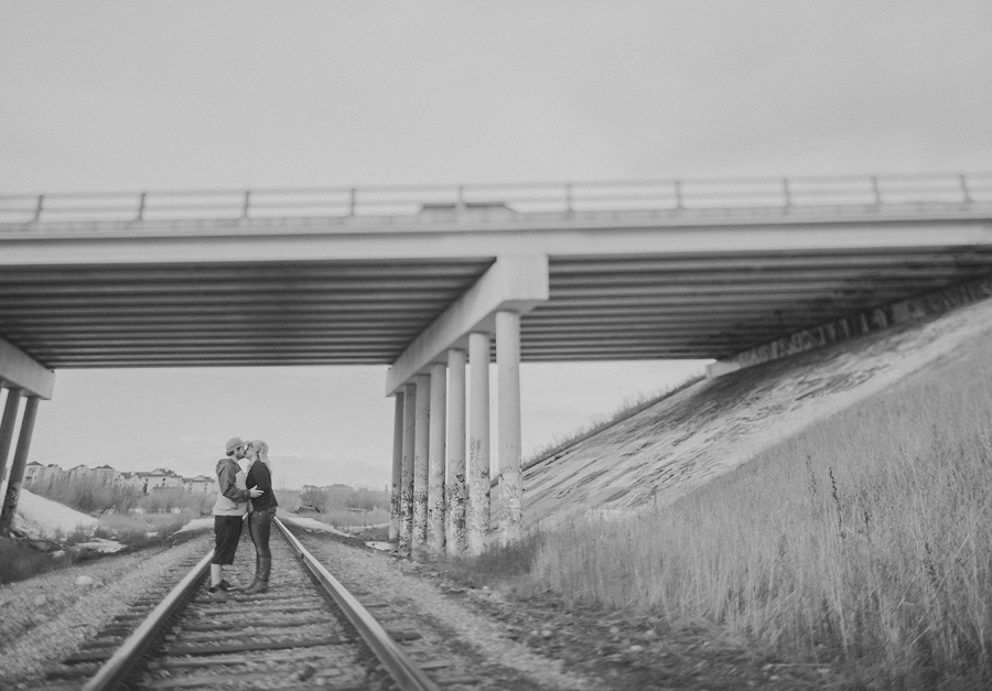 calgary engagement photographer anna michalska photography bridge graffiti