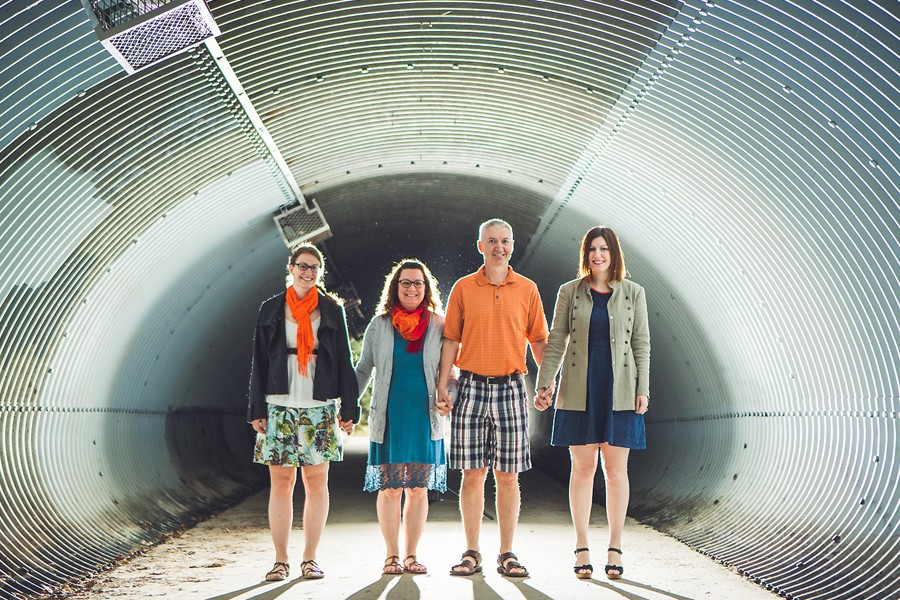 mother's day gift ideas calgary family mini session tunnel