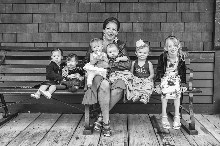 grandmother with family heritage park family session anna michalska photography