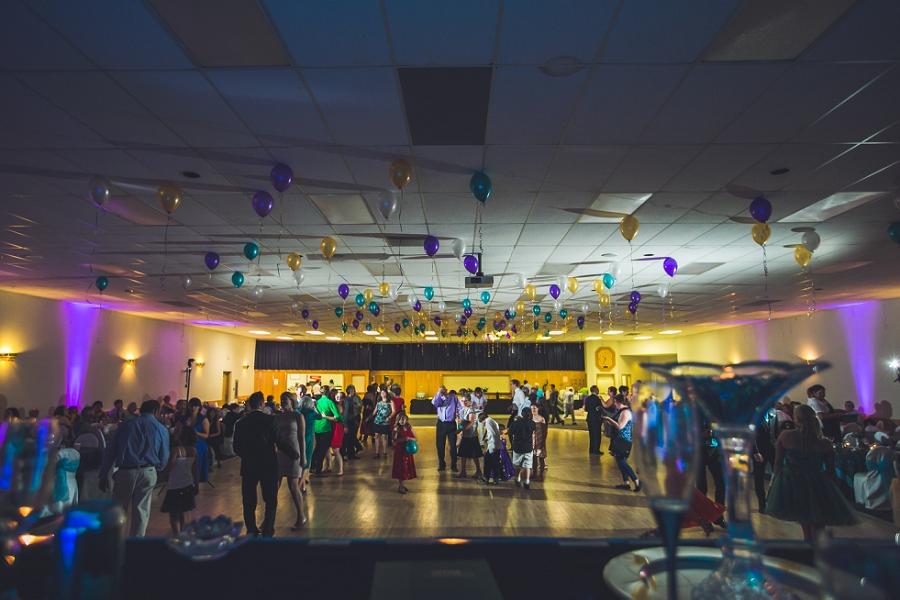 guests dancing calgary wedding reception anna michalska photography