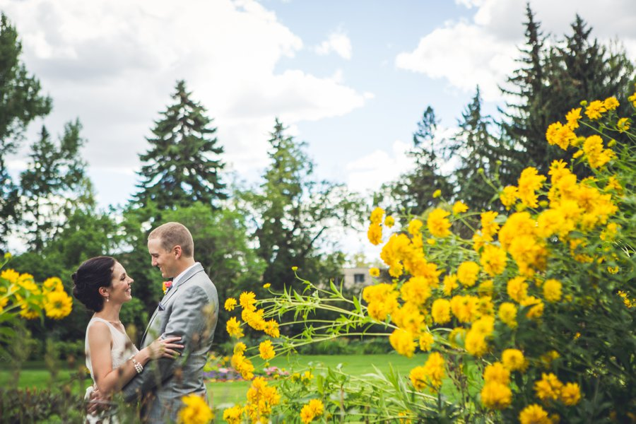 bride groom yellow flowers riley park calgary wedding photographers anna michalska