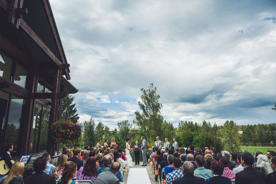 bride groom valley ridge golf course calgary wedding photographers anna michalska