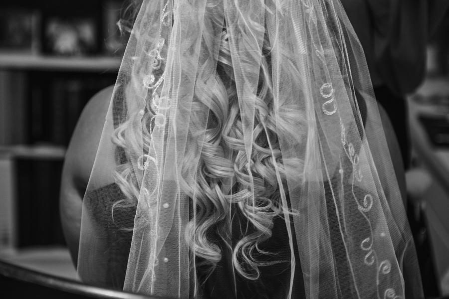 calgary wedding photographers bride hair veil