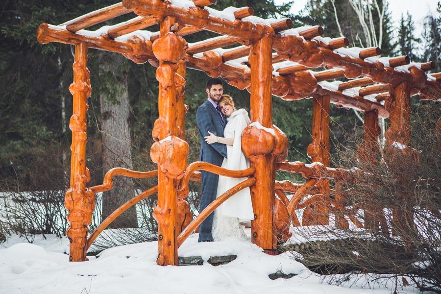 cascade gardens winter wedding wooden bridge anna michalska photography