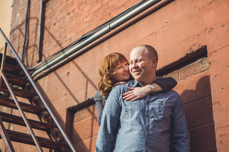 couple winter engagement session calgary anna michalska photography yyc inglewood