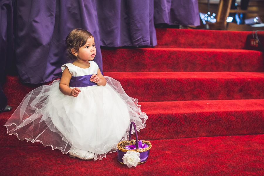 calgary wedding photographer anna michalska first baptist church flower girl