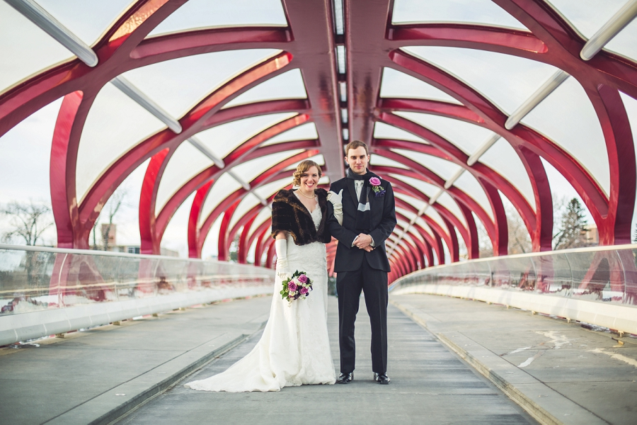 calgary wedding photographer anna michalska winter wonderland peace bridge bride groom