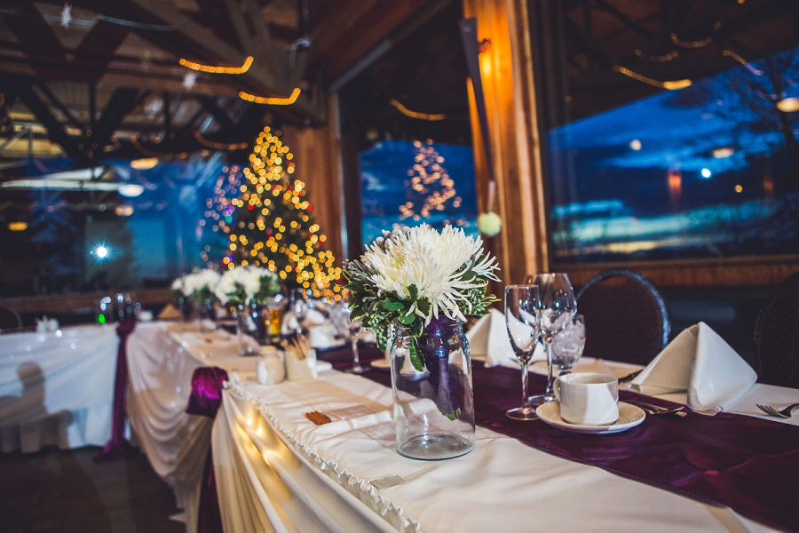 calgary wedding photographer anna michalska winter wonderland pinebrook golf & country club flower decor