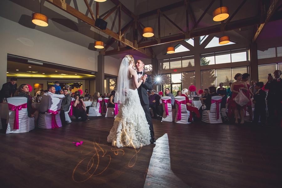 valley ridge golf calgary wedding photographer anna michalska first dance pink reception decor