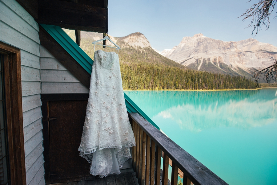 wedding dress mountains calgary wedding photographer emerald lake lodge anna michalska