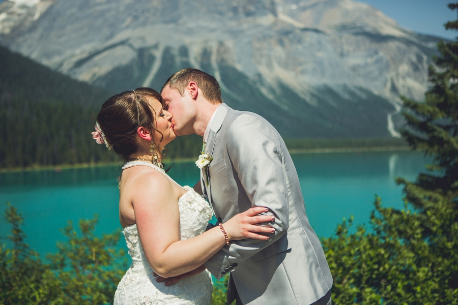 first kiss calgary wedding photographer emerald lake lodge anna michalska