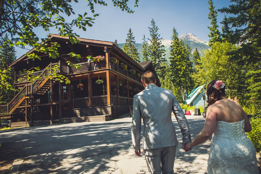 mountains wedding calgary wedding photographer emerald lake lodge anna michalska