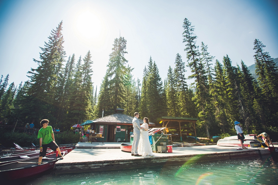 lake canoe calgary wedding photographer emerald lake lodge anna michalska