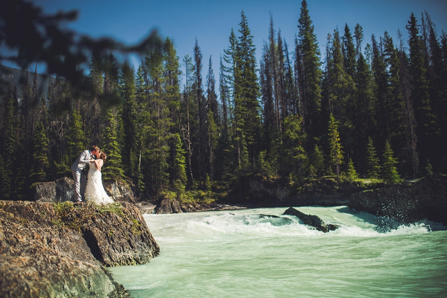 calgary wedding photographer emerald lake lodge anna michalska waterfall
