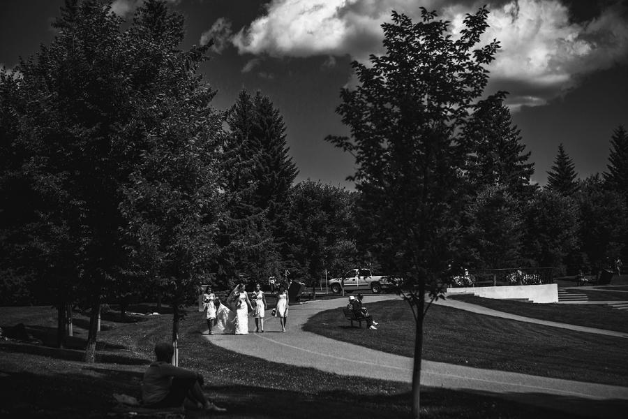 bride bridesmaids baker park wedding calgary wedding photographers anna michalska