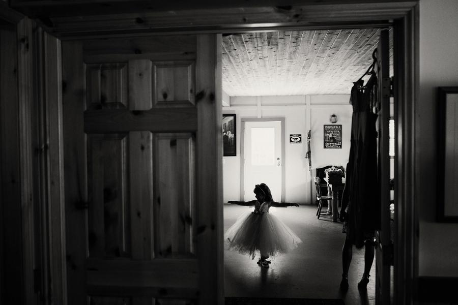 flower girl dancing spring valley chapel rustic wedding alberta calgary photographer anna michalska