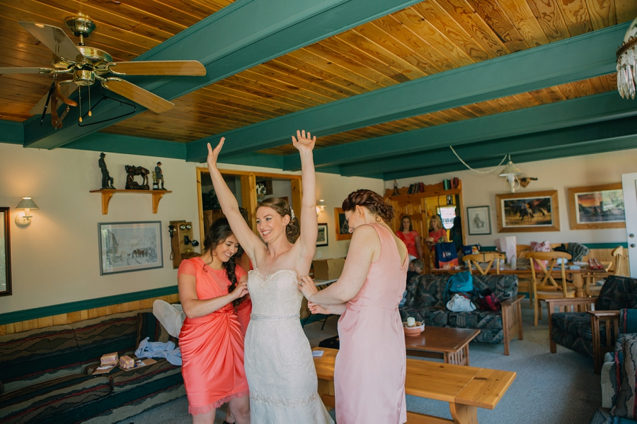 bride getting ready spring valley chapel rustic wedding alberta calgary photographer anna michalska