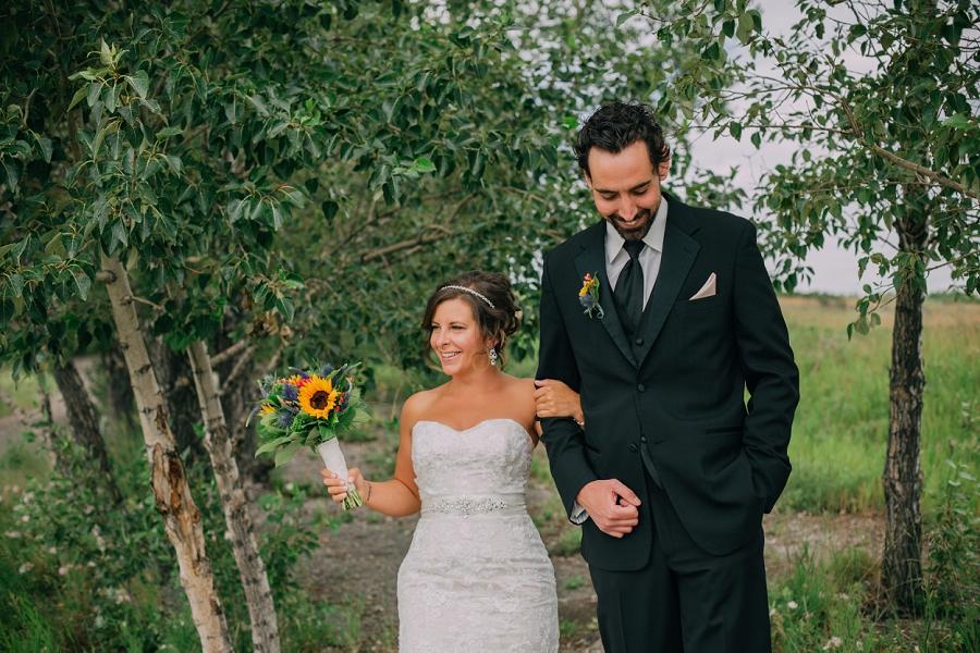 bride groom nose hill park calgary wedding photographer anna michalska
