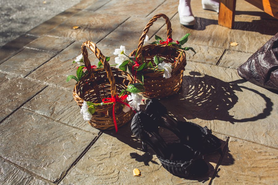 wicker flower girl baskets cowboy themed wedding calgary wedding photographer anna michalska