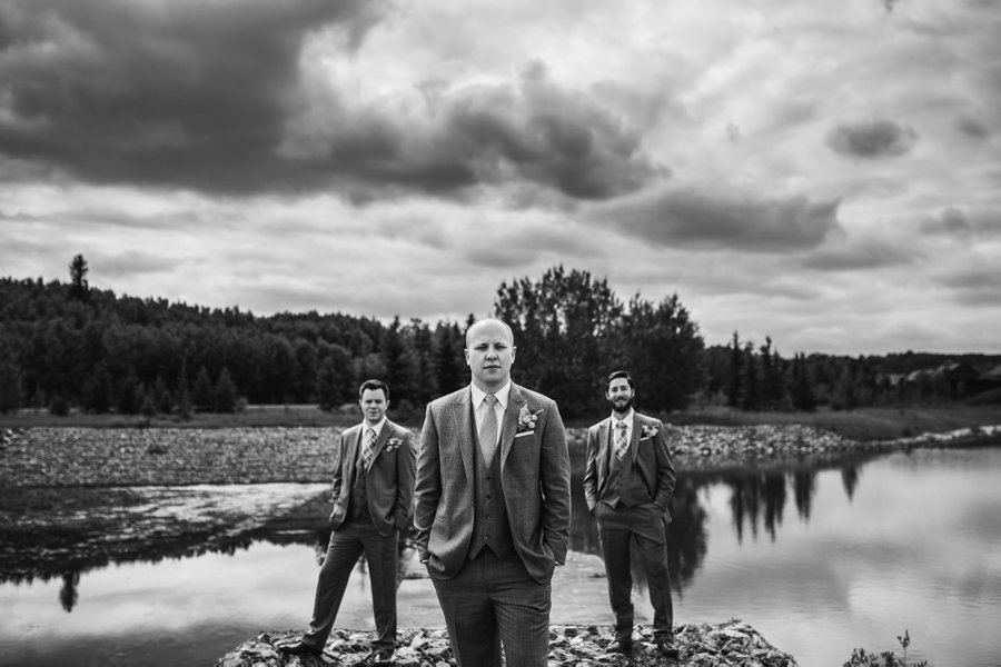 groom with groomsmen elbow springs golf club calgary wedding photographer anna michalska