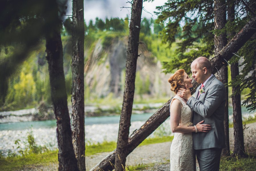 bragg creek bride groom calgary wedding photographer anna michalska