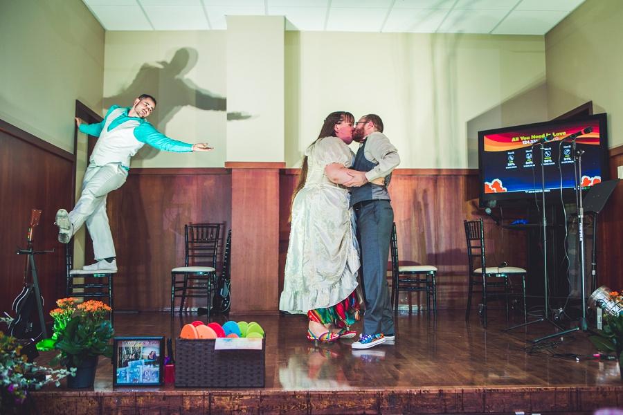 bride groom kiss calgary wedding photographer anna michalska