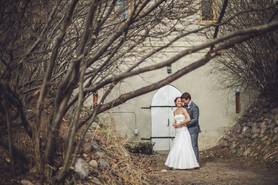 reader rock gardens calgary wedding photography pi day bride groom with dead trees