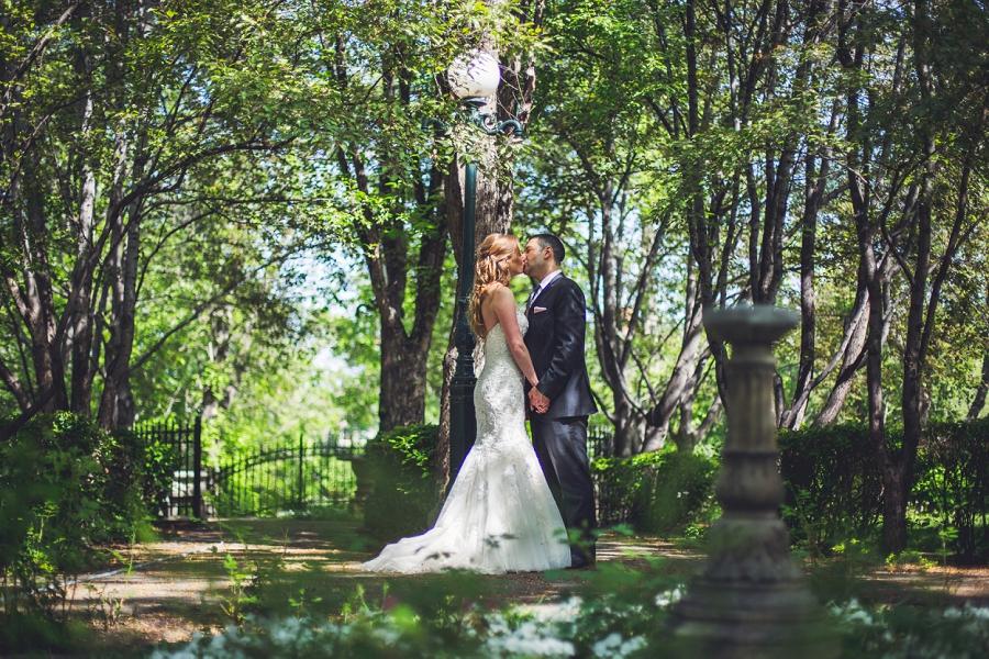 gerry shaw gardens calgary bride groom