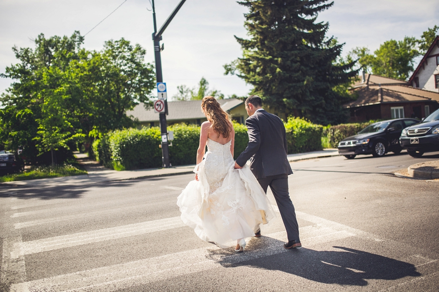 bride groom crossing the street