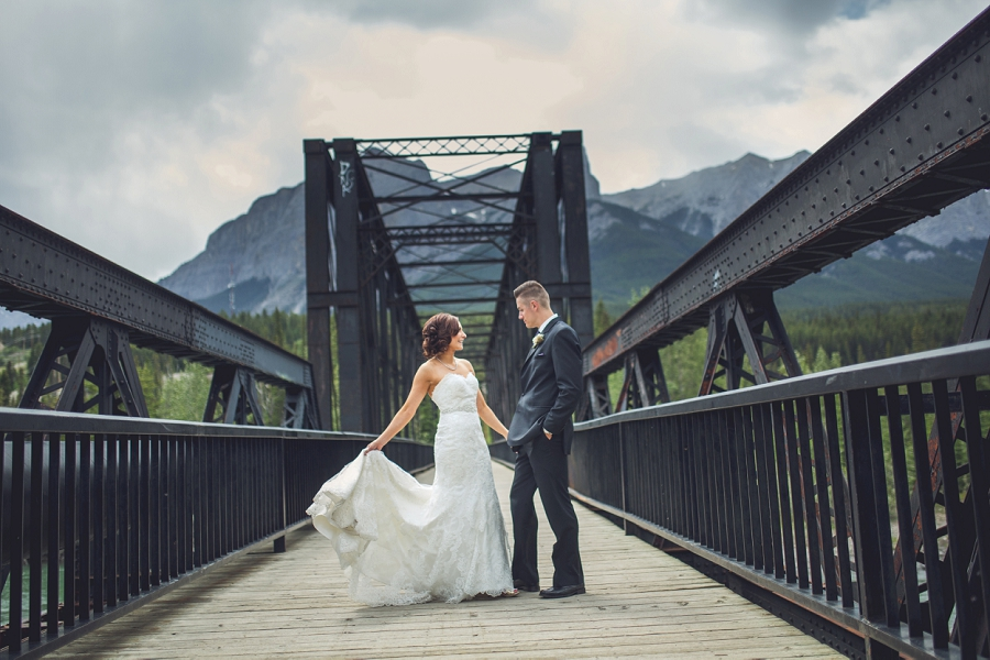 bride and groom engine bridge canmore