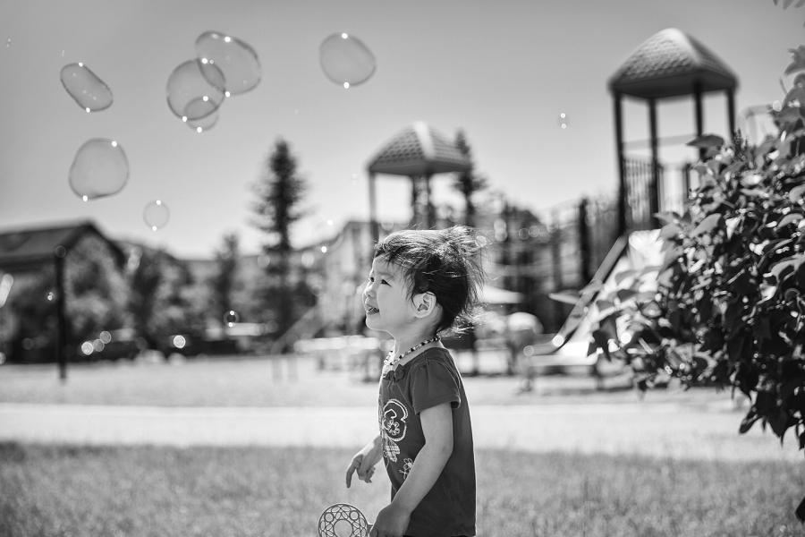 black and white bubbles calgary family photography