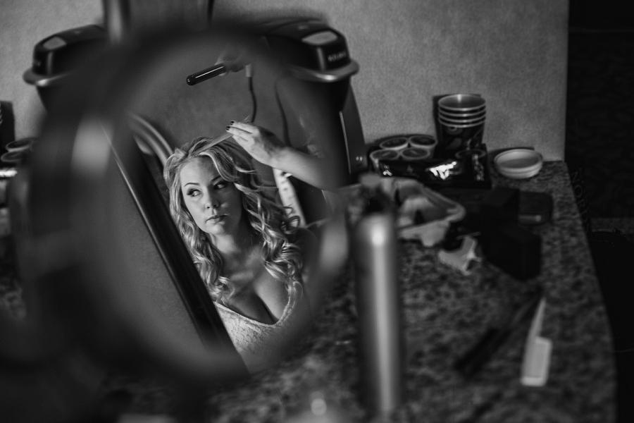 acclaim hotel calgary wedding bride mirror reflection getting ready